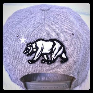 Accessories - California Republic Snap-Back Flat-Bill Hat - Grey